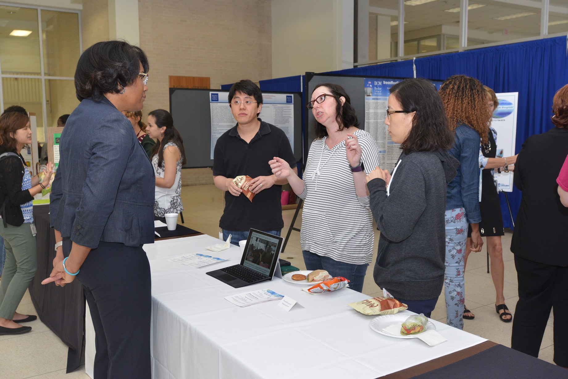 Several attendees, including faculty, students and trainees, presenting at BCM's annual National Diversity and Inclusion closing Showcase event.