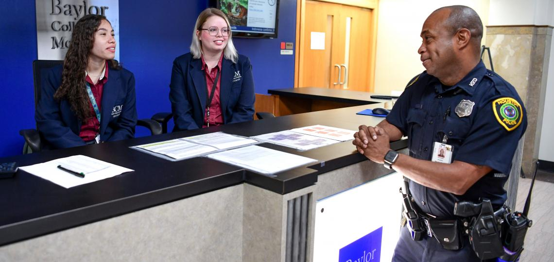 Front Desk Security Staff